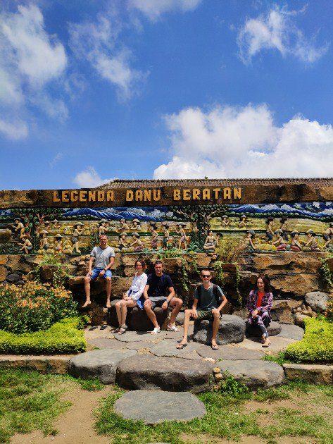 """Встретился на Бали с организаторами конкурса """"Путь к мечте"""", получил приз, и записали видеоинтервью"""
