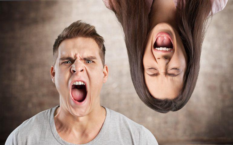 Раздражение у парня и девушки